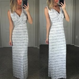 Max Studio Gray V Neck Maxi Dress Size Small